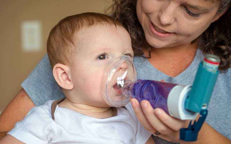 infant with asthma